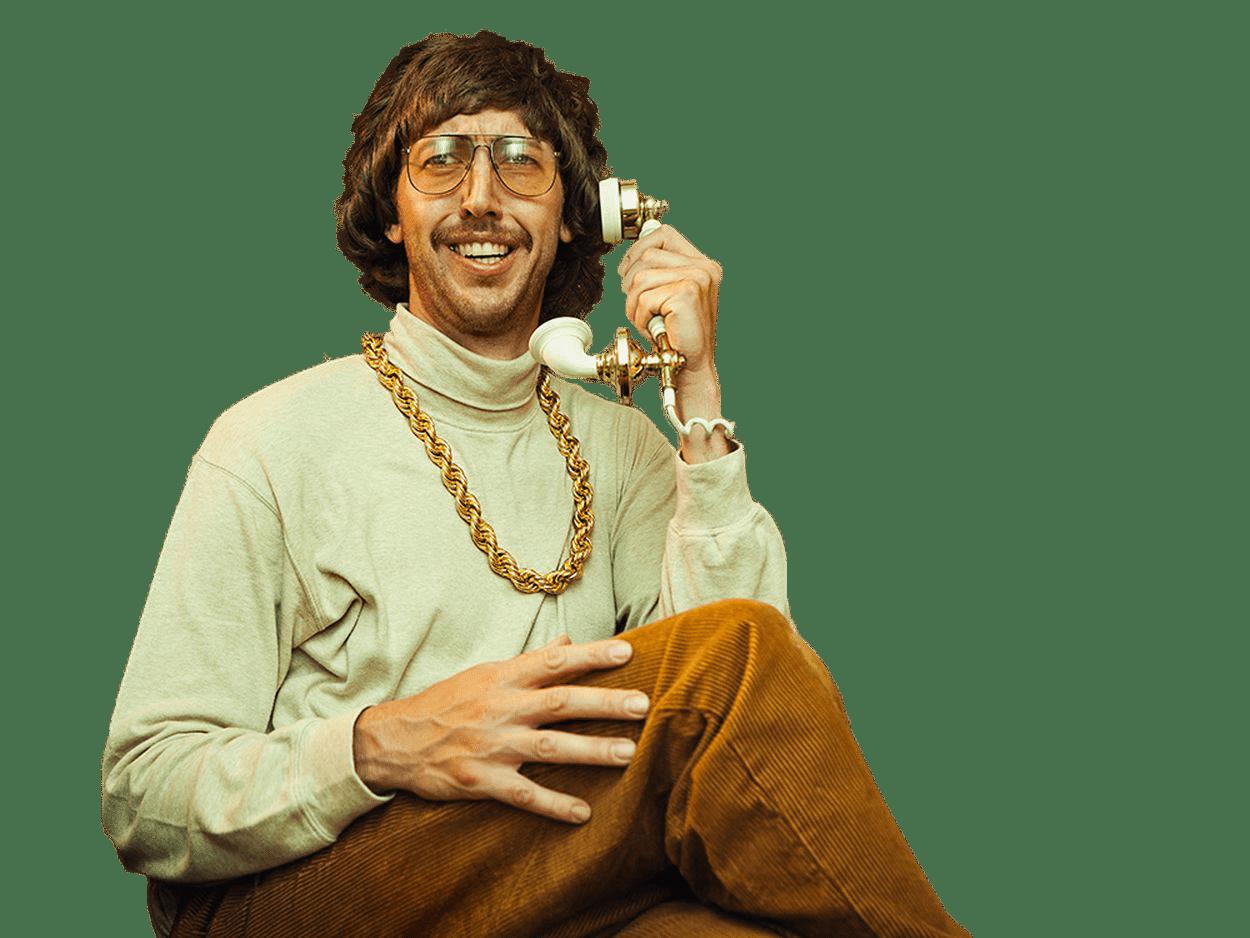 homme-80s-téléphone